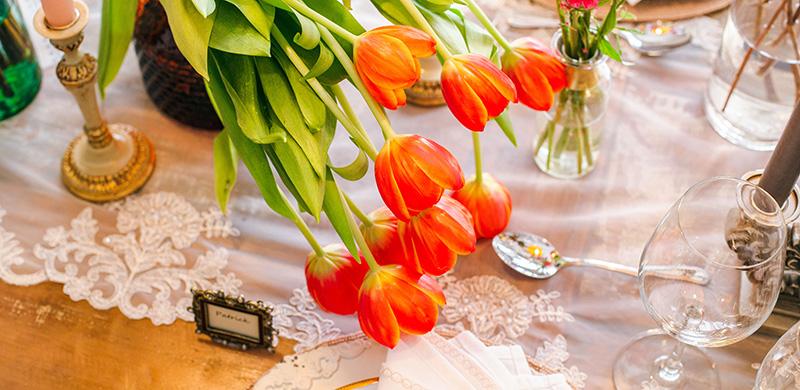 Cores e flores na decoração